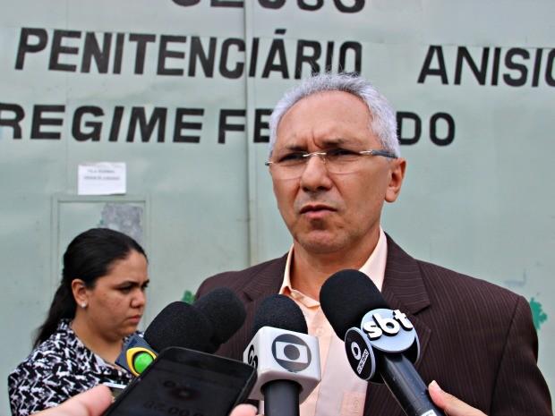 Pedro Florêncio, titular da Seap, disse não descartar hipótese de motim ter sido motivado por transferência de suposto líder de crime organizado  (Foto: Suelen Gonçalves/G1 AM)