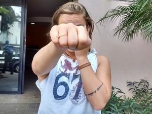 Mulher bateu em suspeito que tentou roubar seu celular, na Orla de Camburi, Vitória  (Foto: Mayra Bandeira/ A Gazeta)