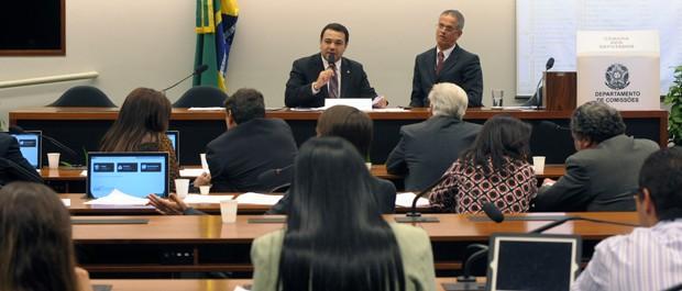 O deputado Marco Feliciano (PSC-SP) preside sessão da Comissão de Direitos Humanos da Câmara (Foto: Alexandra Martins/Ag.Câmara)