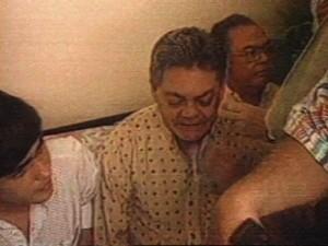 Ronaldo Cunha Lima foi detido para prestar esclarecimentos sobre tiros contra Tarcísio Burity; em foto de 1993 (Foto: Reprodução/TV Cabo Branco)