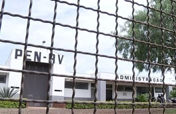 Nove presos fugiram de penitenciário em Rio Verde Goiás (Foto: Reprodução/ TV Anhanguera)