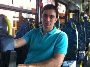 Gerente pretende deixar o carro em casa às sextas-feiras (Foto: Letícia Macedo / G1)
