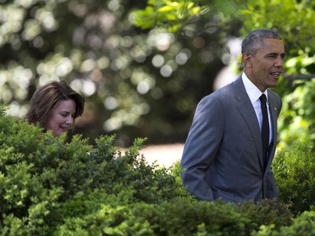 Obama destacou o trabalho de Shanna Peeples com alunos refugiados (Foto: Evan Vucci/AP)