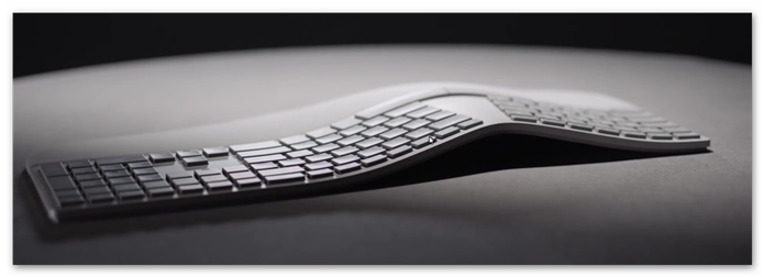 Novo teclado ergonômico da Microsoft (Foto:Reprodução/YouTube)