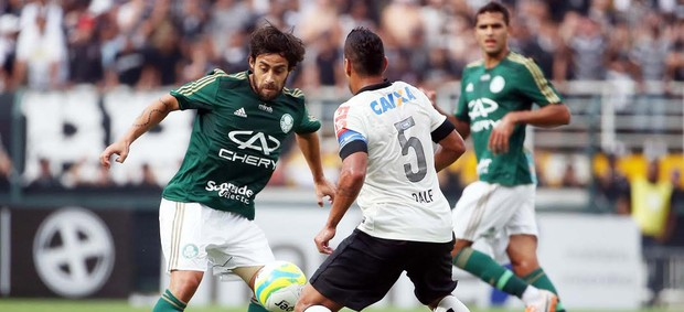 Valdivia e Ralf, Corinthians x Palmeiras (Foto: Marcos Ribolli)