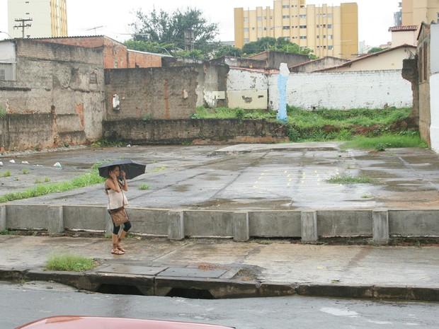 Local onde ficava casa de catador que pegou aparelho de raio-x abandonado em Goiânia, Goiás, em 2006 (Foto: Cristina Cabral/O Popular)