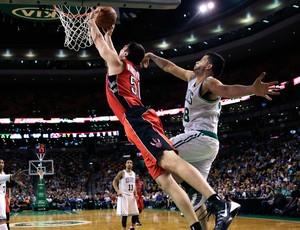 Vitor Faverani boston celtics x Toronto Raptors (Foto: AP)