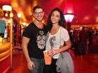 José Loreto e Débora Nascimento vão ao circo