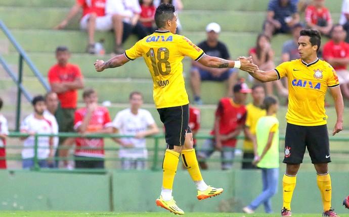 Luciano amistoso Corinthians e Uberaba (Foto: Célio Messias / Agencia estado)