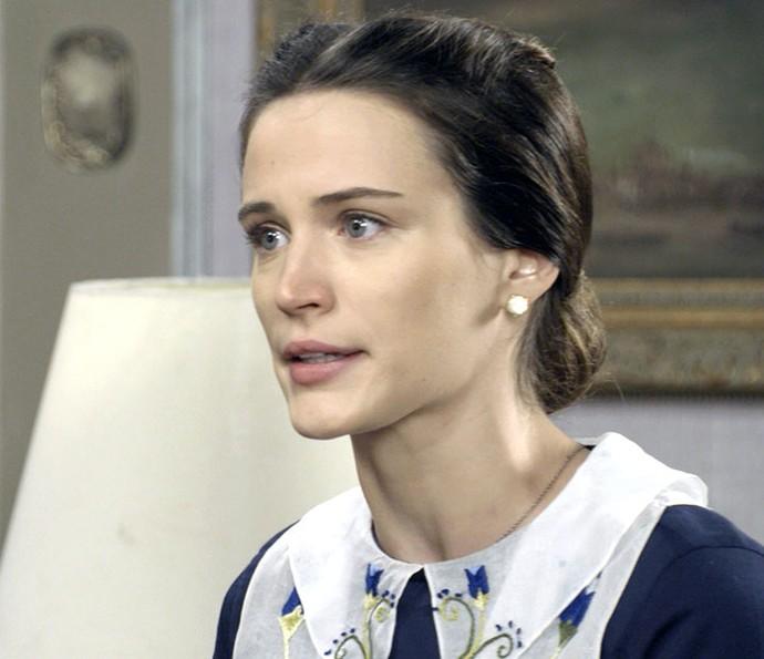 Maria descobre que Celso foi para o Dancing e termina o namoro (Foto: TV Globo)