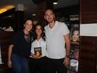 Carol Barcellos lança livro com as presenças de Amanda Lee e Nalbert