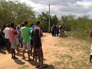 Vítimas ainda não foram identificadas pela polícia (Foto: Ed Santos / Acorda Cidade)