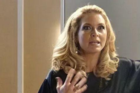 Claudia Abreu é Pamela Parker em 'Geração Brasil' (Foto: Reprodução)