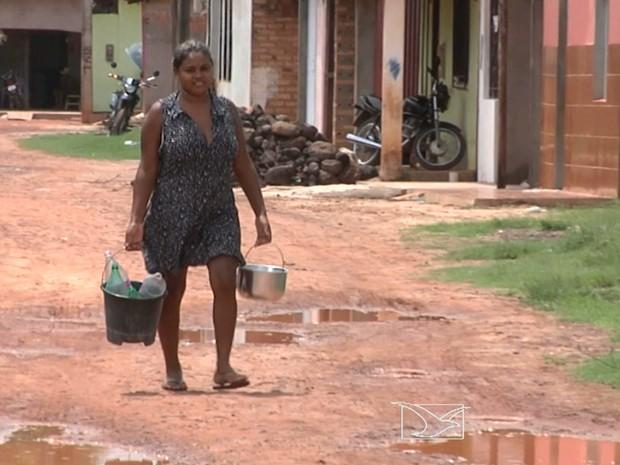 População de Timbiras está sem abastecimento de água desde o último dia 23 de janeiro (Foto: Reprodução/TV Mirante)