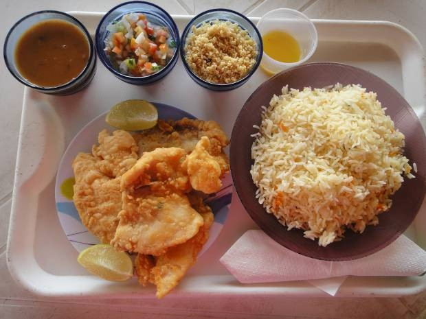 Filé de filhote do restaurante do Bolacha é recomendado no caraparu. (Foto: Thais Rezende/ G1)
