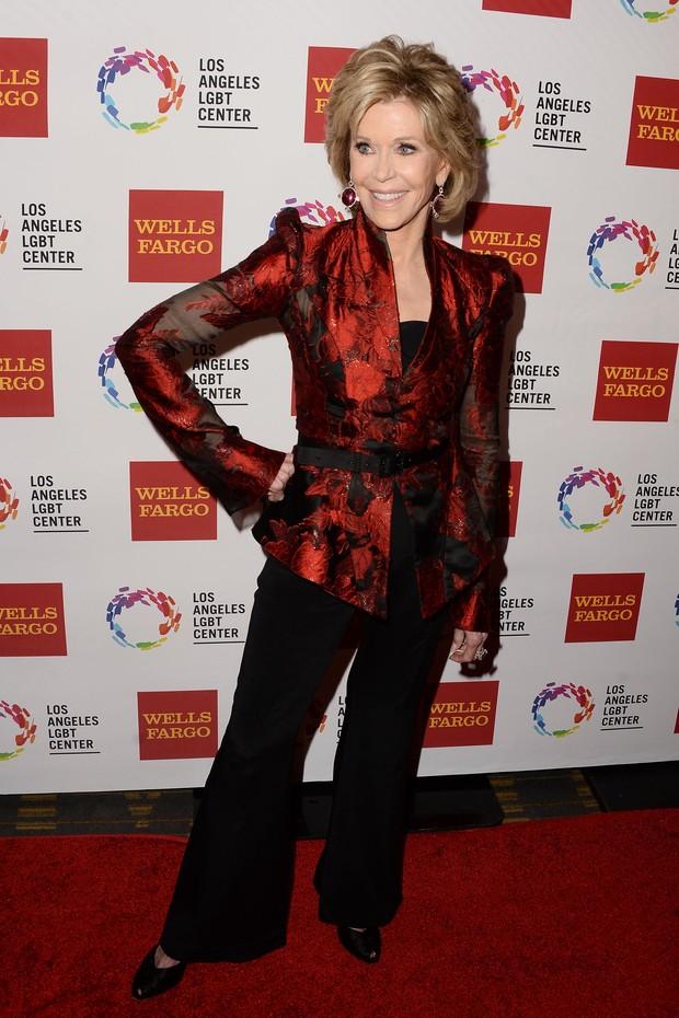 Jane Fonda no tapete vermelho do homenageados no LGBT Vanguard Awards 2015 (Foto: Getty Image)