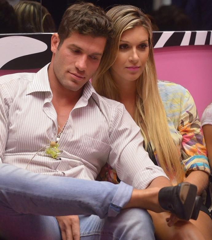 Roni e Tatiele durante participação no 'BBB14' (Foto: TV Globo/Gshow)