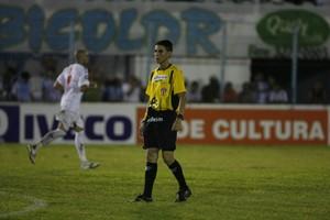 árbitro Joelson Souza Santos (Foto: Marcelo Seabra / O Liberal)