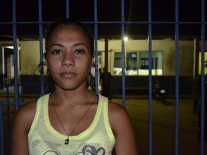 Estudante Gilcimara Barbosa, que viu diversas pessoas sendo impedidas de entrar na UBS Lélio Silva (Foto: Graziela Miranda/G1)