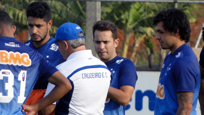 Treino Cruzeiro - Éverton Ribeiro (Foto: Tarcisio Neto)