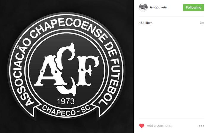 Ian Gouveia presta homenagem à Chapecoense (Foto: Reprodução Instagram)