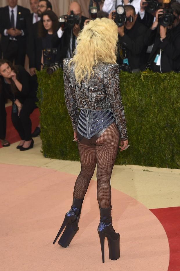 Lady Gaga no baile de gala do MET, em Nova York (Foto: Getty Images)