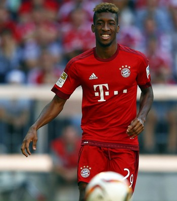 Kingsley Coman Bayern de Munique x Augsburg  (Foto: Reuters)