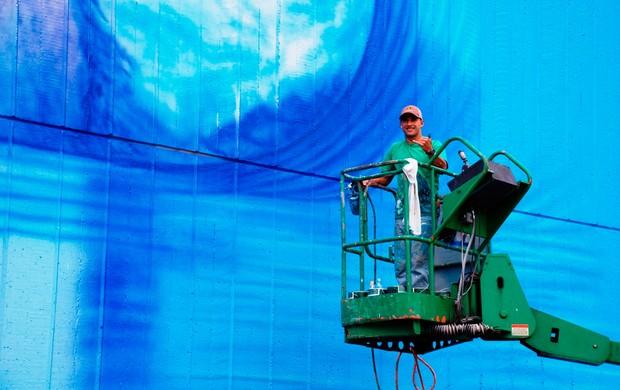 SURF - Artista Brasileiro Pinta Maior Mural De Surf Do Mundo No Havaí -  Hilton Alves - Muralist (Foto: Arquivo Pessoal)