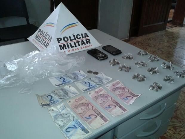 Drogas Brasília de Minas (Foto: Divulgação/PM)