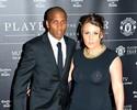 Ao lado das esposas, jogadores do United participam de premiação