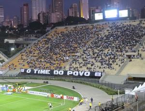 Torcida do Corinthians no Pacaembu (Foto: Diego Ribeiro / Globoesporte.com)