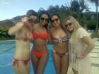 Vidão! Ex-BBBs curtem piscina em Angra dos Reis, no Rio