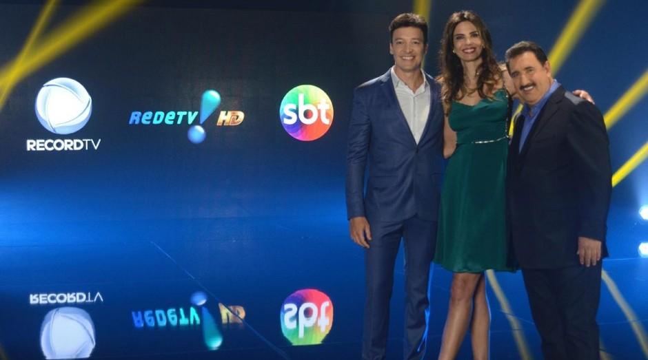 Rodrigo Faro, Luciana Gimenez e Ratinho: apresentadores divulgam o Simba (Foto: Antonio Chaestian/Record TV)
