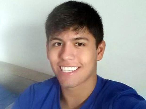 O estudante Matheus Demétrio Soares foi morto após reagir a assalto em Santos, SP (Foto: Reprodução/Facebook)