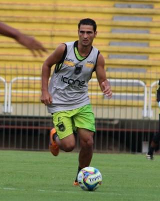 Após grave lesão no joelho, Jorge Luiz está bem perto do retorno (Foto: Pedro Borges/Fair Play Assessoria)