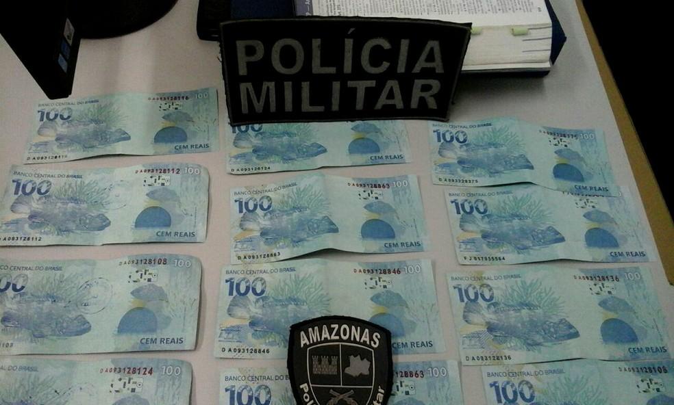 Segundo a polícia, homem utilizou notas para comprar bebida alcoólica (Foto: Divulgação/Polícia Militar )