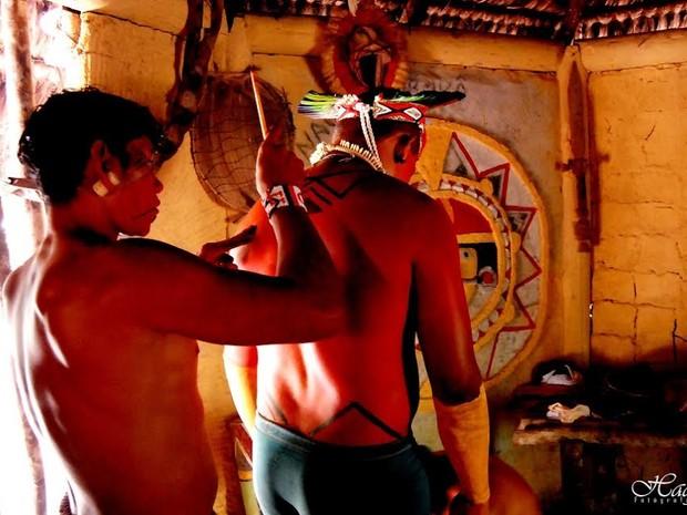 Pintura Corporal é um dos costumes da tribo. (Foto: Hadja)