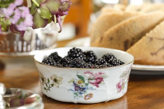 Decoração de mesa: chá da tarde inspirado na primavera (Foto: Julio Acevedo)