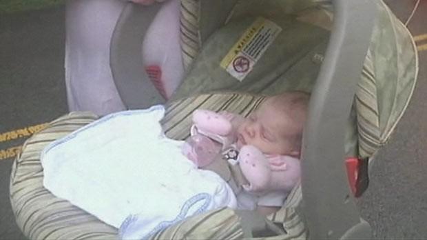 Criança de quatro meses nem acordou em meio à operação em Nashville. (Foto: BBC)