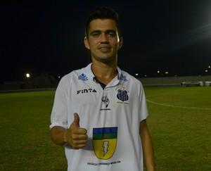 Atacante do Santos-AP Cabralzinho, autor do gol (Foto: Rafael Moreira/GE-AP)
