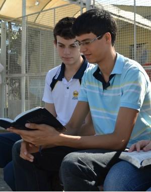 Álvaro e Daniel são sabatistas (Foto: Juliana Borges/ G1 ES)
