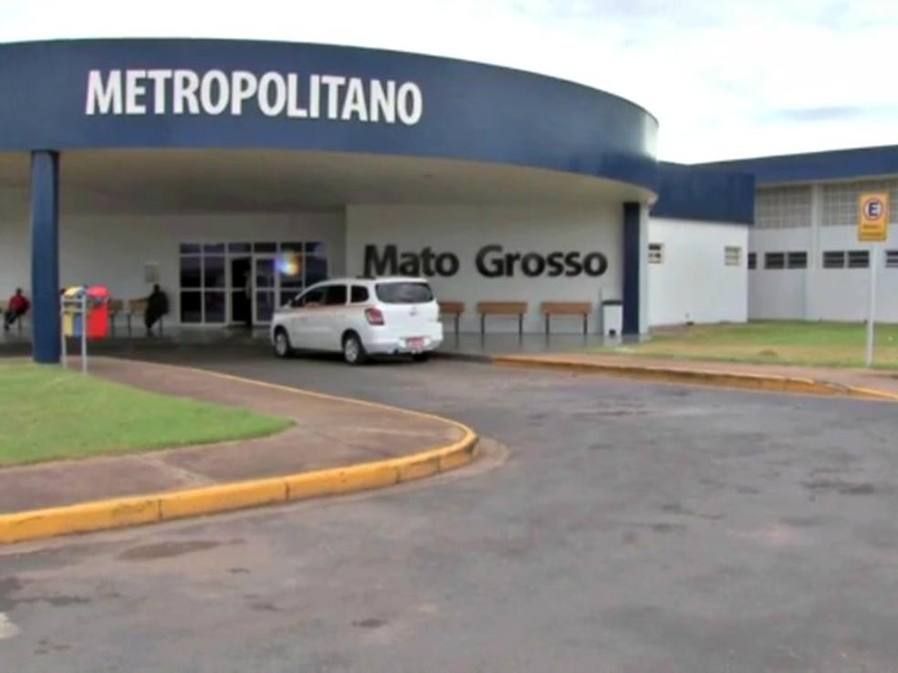 Médicos do Hospital Metropolitano de Várzea Grande fizeram greve por falta de repasse (Foto: Reprodução/TVCA)