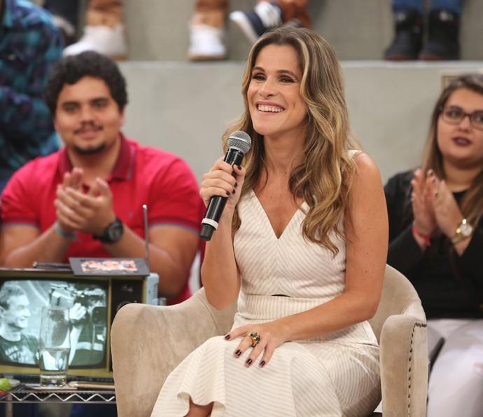 Ingrid Guimarães no palco do 'Altas Horas' (Foto: Carol Caminha/Gshow)