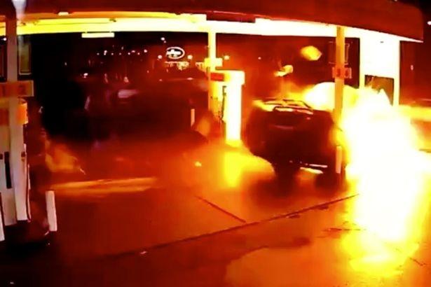 Acidente com carro do Uber gera enorme bola de fogo nos EUA (Foto: reprodução )