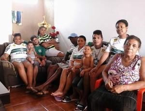 Juninho Coritiba família (Foto: Reprodução/ Facebook)