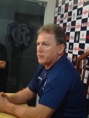 Edson Gaúcho, técnico do Remo, em entrevista coletiva (Foto: GLOBOESPORTE.COM)