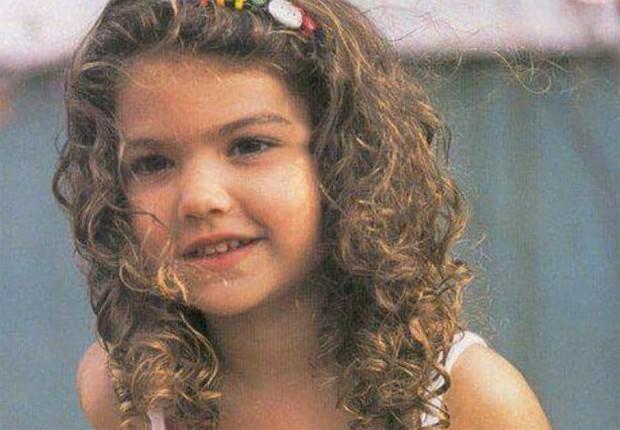 Giovanna Grigio: encantadora em foto da infância (Foto: Reprodução/Twitter)