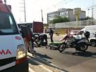 Idoso é atropelado por motociclista na faixa de pedestres em Manaus