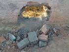 Policiais e agentes encontram buraco em muro de penitenciária em Roraima