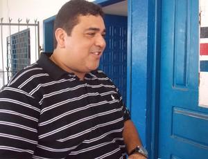 Carlos Eduardo confirmará os jogadores somente em São Luís (Foto: Bruno Alves/Globoesporte.com)